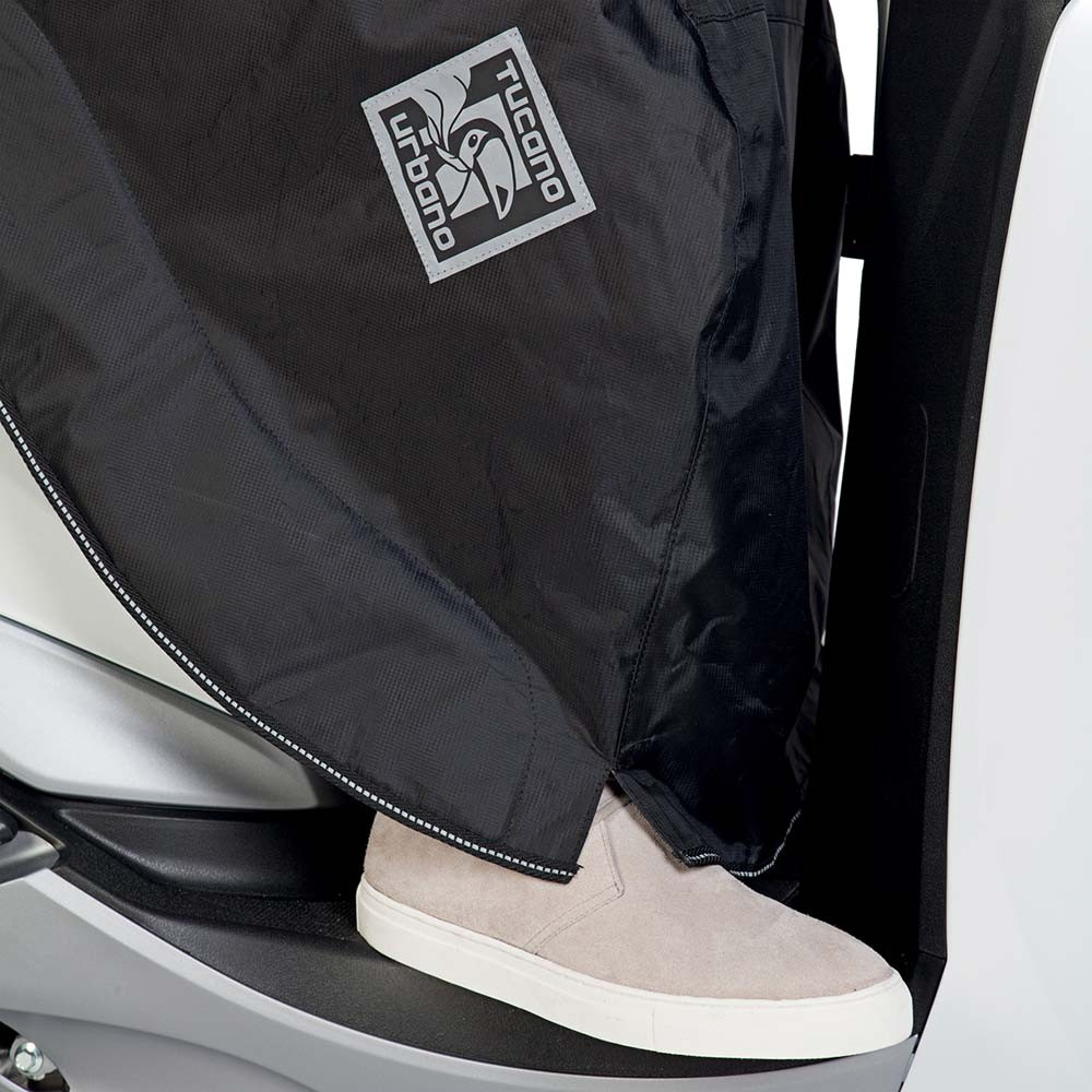 Tucano Urbano Linoscud R194 Easy Fit Scooter Leg Cover